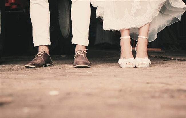 MANEVİYAT  Nişan, evlilik, ev, mortgage, araba bir ilişkinin hedefleri değil, konu başlıklarıdır. Siz maddi değil, manevi hedefler belirleyin. Çünkü bir ilişkiyi ancak beraber çalışmak, beraber öğrenmek, birlikte hayatla mücadele etmek yaşanabilir kılar.
