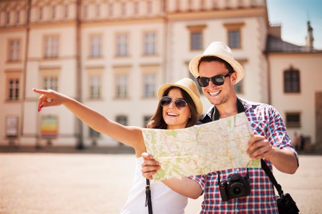 SEYAHAT  Beraber uzun seyahatlere çıkın. İnsan dostunu yolculukta tanır derler. Ortak deneyimleriniz geliştikçe, dünyaya aynı pencereden beraber bakmaya başlayacaksınız.