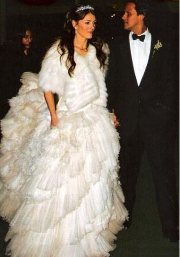 Elizabeth Hurley, Hint asıllı işadamı Arun Nayar ile evlendiğinde 42 yaşındaydı.