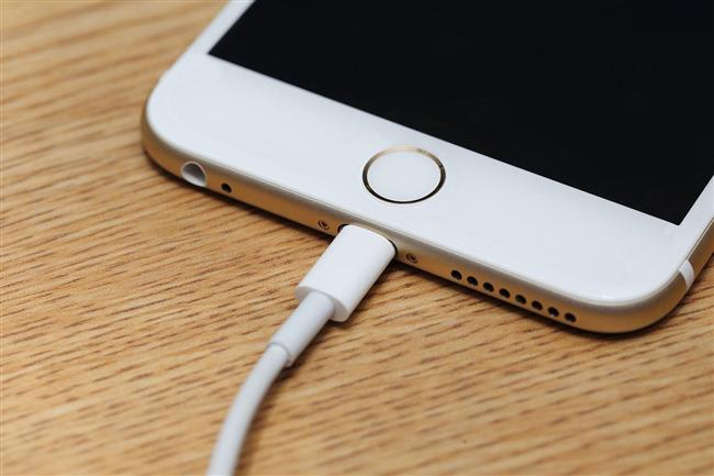 3. Telefonunuzun şarjı azaldığında moraliniz bozuluyor ya da panikliyor musunuz?