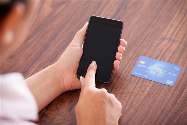 5. Eğer size hangisini kaybetmeyi tercih ederdin gibi bir soru yöneltilse cüzdan mı derdiniz telefon mu?   Eğer cevap telefonsa; gerçek bir bağımlı olabilirsiniz. Tabii kredi kartlarını ya da diğer kartları ücretsiz olarak tekrar çıkartmak çok zor değil fakat telefonunuzun birinin eline geçtiği düşüncesi biraz can sıkıcı.