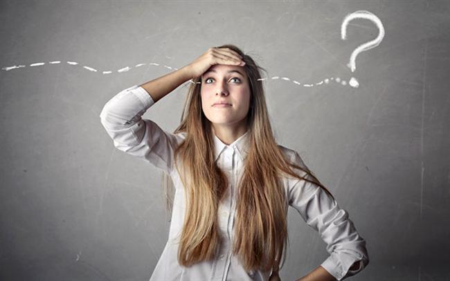 """Unutkanlık, 7'den 70'e hepimizin gündelik sorunudur. Yoğun stres, zihinsel yorgunluk gibi faktörler unutkanlığa neden olabilir. İlerleyen yaşlarda bu """"Bunama"""" veya """"Alzheimer"""" olarak kendini gösterir. Tüm geçmiş bir anda hafızalardan silinir... Yapılan araştırmalar, bu kabusun çaresinin olduğunu ortaya çıkarmıştır. Uzmanlar her gün sabah akşam bir bardak taze sıkılmış havuç suyunun unutkanlık, Alzheimer, kalp krizi, akciğer ve deri kanserine karşı önleyici olduğunu hatırlattı.  HER GÜN 2 BARDAK HAVUÇ SUYU  Hazır meyve suları ve gazlı içecekler yerine, restorant ve evlerde taze sıkma havuç, portakal, elma sularından 1-2 bardak içmek vücut için faydalıdır. Vücudu zinde tutup toksinlerden temizler. Havuç suyunu, her gün sabah kahvaltının ardından, akşam ise yemekten 2 saat sonra içmek çok faydalıdır. Unutkanlığı önleyen bu mucizevi sebzenin diğer faydaları ise şöyledir:"""