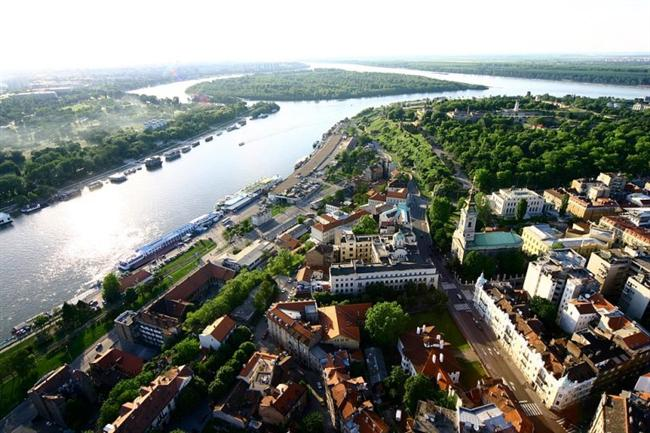 Belgrad, Sırbistan  Tuna ve Sava nehirlerinin birleştiği platoda yer almaktadır.
