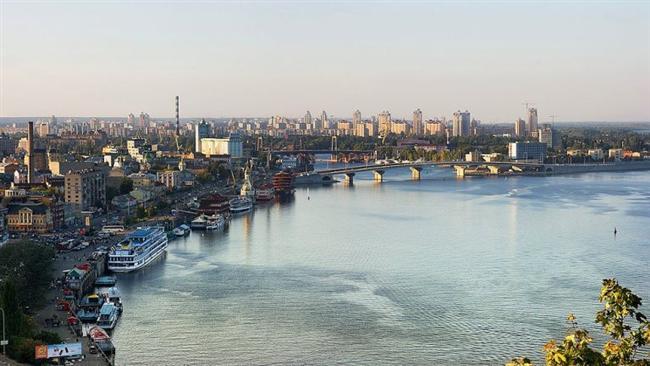 Kiev, Ukrayna  Dinyeper Nehri üzerinde kurulmuştur.