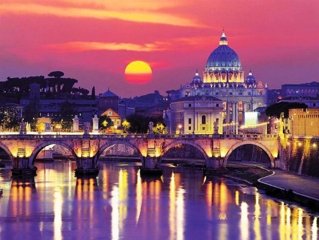 Roma, İtalya  Tiber ve Aniane nehirleri arasında yer alır.