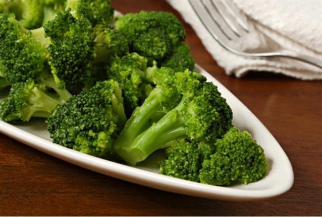 """Terazi - Brokoli   Brokoliyi okuduğunda çoğunuzun """"ıyyy!"""" şeklinde bir tepki verdiğini duyar gibiyim :D aynı zamanda terazi burçları da bu tepkiyle karşılaşıyorlar tıpkı brokoli gibi----->> """"şey burcun ne peki? :)"""" """"TERAZİ burcuyum ben seninki ne :)"""" """"-neee terazi mi ıyyy dengesiz pisliktir bu be- hıııııı ımmmm peki o zaman şey ya sonra konuşuruz olur mu?"""" (KONUŞMADILAR) Genelde erkekler kızlar tarafından bu tepkiyle karşılanıyorlar bildiğim kadarıyla ama bir yandanda sağlıklı beslenen insanlar brokolinin her çeşidini severek ve isteyerek yiyip öneriyorlar bu da tıpkı her ne kadar kötü tepki alsalar da terazi insanlarının sevimli , uyumlu ve çekici olmaları gibi bir çok güzel özelliklerinin de olması gibi :)"""