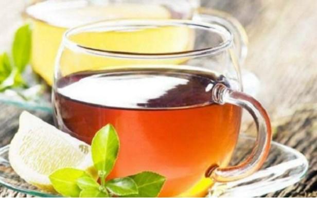 Bilimsel olarak kanıtlanmış: Mate Çayı  Bu çayın bileşenlerinden olan mateine metabolizmayı hızlandırıyor, vücut sıcaklığını yükselterek normalden daha fazla kalori yakılmasını sağlıyor. Ayrıca tokluk hissini uzatarak öğünler arasında mide kazıntısını önlüyor. 2001 yılında Danimarka'da 44 aşırı kilolu kişi üzerinde yapılan bir araştırmada düzenli olarak mate çayı içenlerin içmeyenlere oranla yaklaşık %40 daha fazla kilo kaybettikleri belirlenmiş.