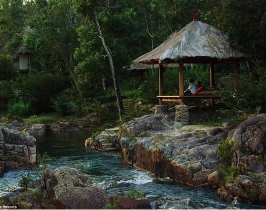 Francis Ford Coppola : Ünlü yönetmenin Belize, Guatemala, Arjantin ve İtalya'da otelleri var. Geceleme 279 dolardan başlıyor.