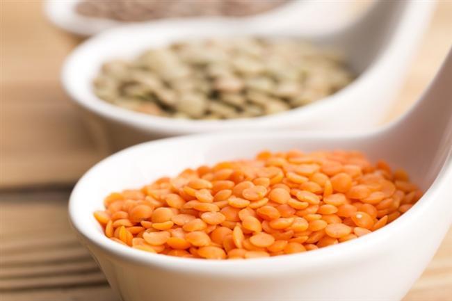Kuru fasulye, nohut, mercimek  Bitkisel kaynaklı protein kaynağı olan kuru fasulye, nohut, mercimek gibi kuru baklagiller içerdikleri posa sayesinde kandaki kötü kolesterol LDL düzeyinin düşmesine yardımcı oluyor. Son yıllarda B6 vitamininin yetersiz alımı ile kalp-damar hastalıklarının oluşum riskinin arttığı düşünülüyor. Bu nedenle B6 yönünden en zengin besinler olarak bilinen kurubaklagilleri haftada 2 kez tüketmenizde fayda var.