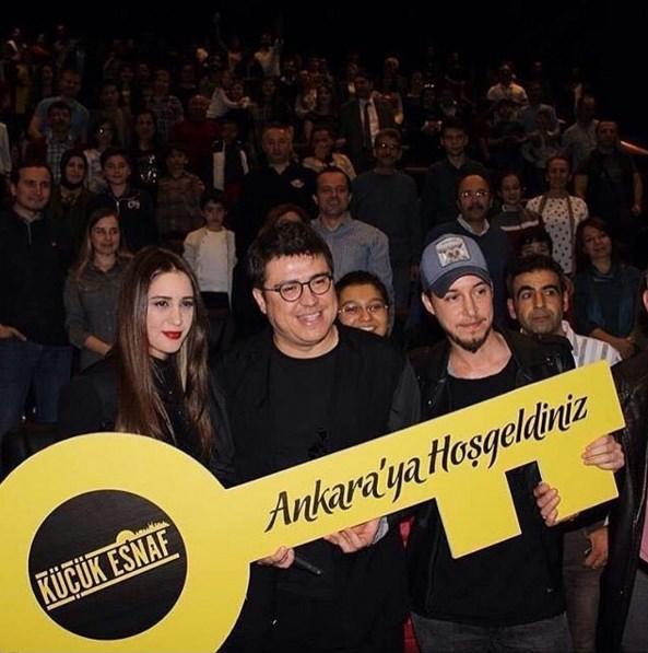 İbrahim Büyükak  Bursa'da ve Ankara'da bizi yalnız bırakmayan seyircilerimize çok teşekkür ediyoruz... Çok güldük, çok eğlendik:) İyi ki varsınız! #KüçükEsnaf