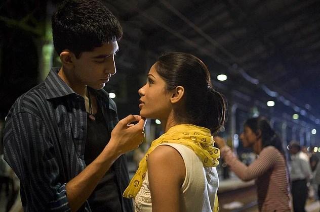 Dev Patel & Freida Pinto  İkilinin 2008 yılında Slumdog Millionaire setinde başlayan aşkları 6 yıl kadar sürdü. Çift 2014 yılında ayrıldı.