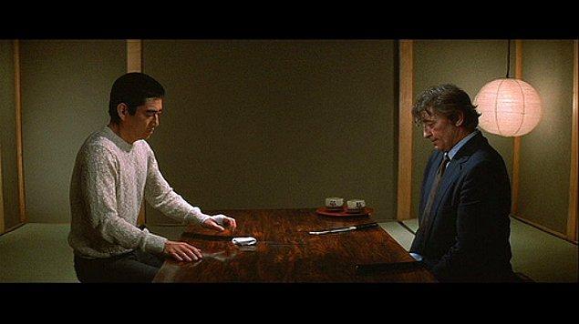 Yakuza (1974)  Filmde bu örgütle iş ortaklığı yapan ve anlaşmaya uymadığı için kızı Yakuza şefi tarafından kaçırılan bir Amerikalının, eski bir arkadaşı olan Kilmer'ı yardıma çağırması ile başlar.