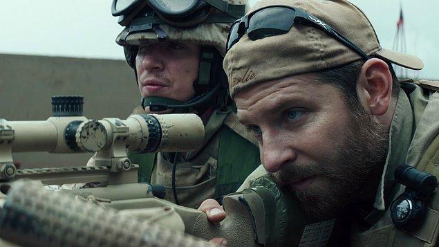 Keskin Nişancı (2014)  Cesur bir asker olarak tanınan Chris Kyle, yoğun savaş ortamının hüküm sürdüğü Irak'a silah arkadaşlarını korumak için gönderilir. Kyle gerçekten keskin bir nişancıdır ve isabetli atışlarıyla savaş alanında pek çok hayatı kurtarır. Cephede adeta bir efsaneye dönüşür. Ama şöhreti çok geçmeden düşman hatlarında da yayılınca, bu sefer kendisi hedef haline gelecektir.
