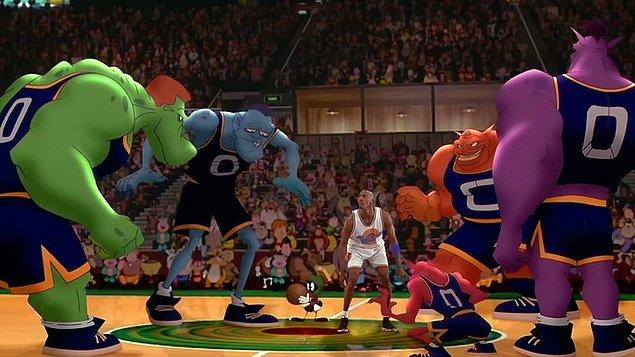 Space Jam (1996)  Jordan smaçlamakta, Bugs Bunny sıkıştırmakta ve tüm Looney Tunes starları potaya zıplamakta. Animasyon ve gerçek karakterlerin iç içe geçtiği bu komik filmde, Charles Barkley ve Patrick Ewing gibi NBA yıldızlarının yeteneklerini ele geçiren kötü yaratıklarla Looney Tunes kahramanları bir basketbol maçında karşı karşıya gelirler.