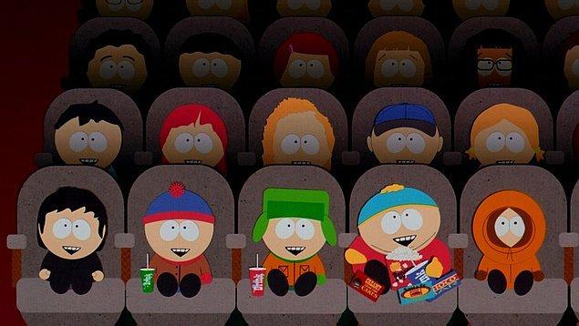 South Park: Bigger, Longer & Uncut (1999)  Kyle, Stan, Kenny ve Cartman sadece yetişkinler için yapılan bir filmi izlerler. Bu filmi izledikten sonra psikolojileri tümden değişir. Ebeveynleri çocuklarının bu kadar etkilendiklerini görünce bu filmi protesto etmeye karar verirler.