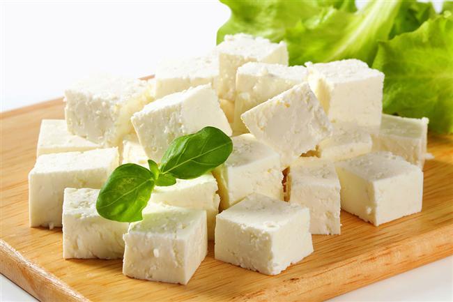 Dondurulmaması Gereken Gıdalar Nelerdir?  Mayonez, yumurta, kahve, krema, salata, salata sosları, pişmemiş makarna, pirinç, elma, patlıcan, roka, patates, marul, konserve ürünleri, krem, beyaz peynir.