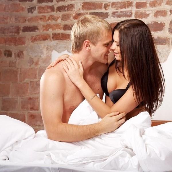 - Nefes egzersizleri yapmak gün içinde zinde hissettirir, cinsel performansınızı da arttırır. Tek burun deliğinizi kapatın ve açık olandan beşe kadar sayarak nefes alın. Nefesinizi ritmik almanız önemli. Sonra ikisini de kapatıp beş dakika nefesinizi tutun ve verin. Bu egzersizi iki burun deliğinizle de yapın. 10 kez tekrarlayın.  - Oryantal, ata sporumuz sayılır. Bizden iyisini kimse yapamaz.