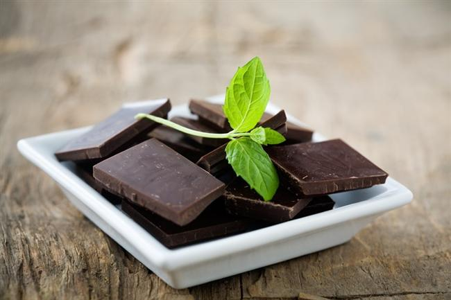 Bitter çikolatanın mutlulukla bir ilişkisi var  Yapılan araştırmalar göstermektedir ki; dengeli bir şekilde tüketilen ve kakao oranı yüksek gerçek bitter çikolata yağ yakımını destekler, enerji verir ve mutluluk hormonu salgılanmasına yardımcı olur. Dikkat edilmesi gereken bitter çikolatanın dengeli bir miktarda tüketilmesidir.
