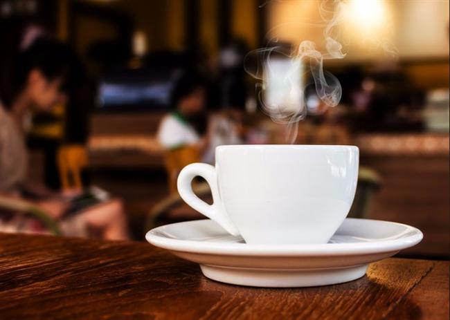 6. Gün  Sabah kahvaltıdan önce  1 su bardağı ılık su, 1 su bardağı oda sıcaklığında su  Sabah kahvaltısı  Şekersiz siyah çay ( taze limon sıkılmış) , 1 dilim peynir, 1 dilim tam buğday ekmeği, 8- 10 adet zeytin, bol domates  Ara Öğün  1 fincan şekersiz Türk kahvesi  Öğlen yemeği  1 porsiyon tavuk veya hindi ızgara, 1 su bardağı yoğurt, bol salata ( bol zeytinyağı ilaveli)  Ara Öğün  1 dilim beyaz peynir, 1 dilim ekmek, 1 avuç taze nane yaprağı  Akşam yemeği  1 tabak bezelye yemeği, 1 dilim tam buğday ekmeği, 1 su bardağı yoğurt, bol salata (az zeytinyağı ilaveli)  Gece  1 adet elma