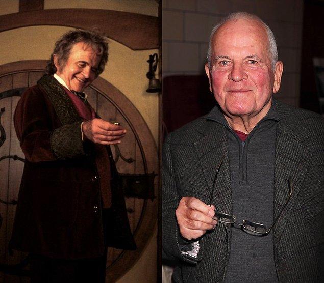 Bilbo Baggins: Ian Holm  Fotoğraf 30 Mart 2010'dan, Ian Holm şuan 84 yaşında.