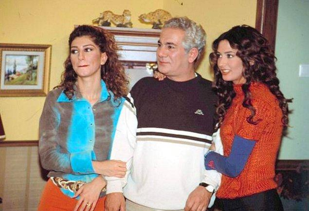 Nadide Sultan - Çifte Bela  Nadide Sultan'ın da yolu bir dönem dizi sektöründen geçti. Ayşe Tolga ile iki kardeşi canlandırdıkları sitcom türündeki dizide rol aldı.