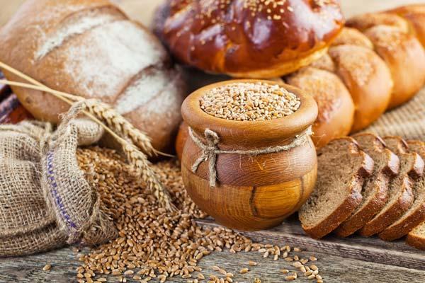 •TAHILLARI HAYATINIZDAN ÇIKARMAYIN: Sağlıklı bir şekilde yaşam sürdürebilmek için günde 5–7 porsiyon ekmek, pirinç, makarna gibi tahıl ürünleri tüketmelisiniz.