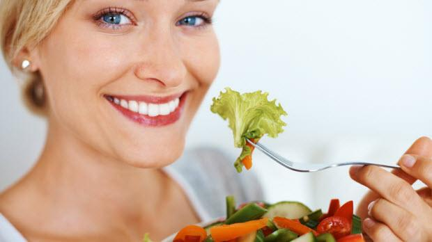 •HER GÜN ÇİĞ SEBZE TÜKETİN: Çiğ sebzeler içerdikleri vitamin, mineral ve antioksidanlar ile beslenmemizde çok önemli bir yere sahiptir.