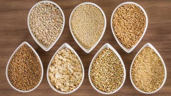 •TAM TAHIL TERCİH EDİN: Tam tahıl ürünleri içerdikleri posa nedeni ile en sağlıklı tahıl grubunu oluşturur. Beyaz ekmek yerine tam tahıl ekmeklerini, beyaz pirinç yerine kahverengi pirinci tercih etmeniz yaşam kalitenizi yükseltmekle kalmaz, kilo kontrolünde de başarılı olmanızı sağlar.