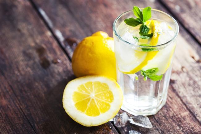 Limonun hayatınızda çok önemli bir yeri var ancak onu hayatınızın içine katmak için gerekli olan nedenleri hâlâ bilmiyor musunuz?   İşte güne limonla başlamak için 9 sebep...