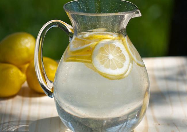 8) Limonun vücudunuza genel olarak faydası vardır. Kanserden kalp hastalıklarına kadar pek hastalıkla mücadele etmenizde elinizi güçlendirir.