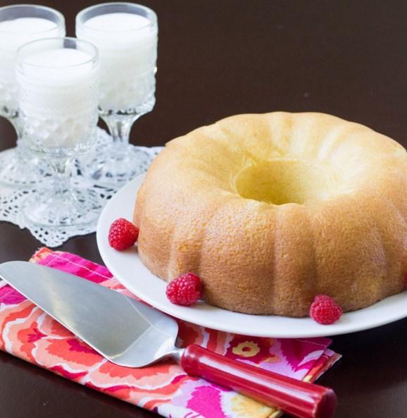 9. Kek veya kurabiyelerde yağı azaltmak için yağsız süt tercih edin.