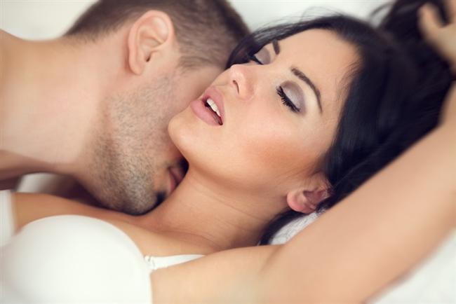 İşte 30 yaşınıza gelmeden önce seks ile ilgili bilmeniz gerekenler...  - Yatakta ne istediğinizi açıkça söyleyin kimse aklınızı okuyamaz.  - Gerçek orgazma ulaşmak için önce orgazm taklidi yapmayı bırakın.