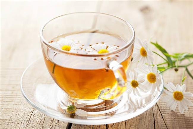 Bitki çayları  Doğru bitki karışımından hazırlanan bir çay ya doğrudan uyutucu ya da yatıştırıcı ve duyguları stabilize edici etki gösterir. Papatya, melisa, ıhlamur, lavanta gibi bitkilerin çayları size huzurlu bir uyku verecektir. Uyumak yerine zindeliğe ihtiyacınız varsa kafein içeren siyah çay veya yeşil çay tercih edilebilir.