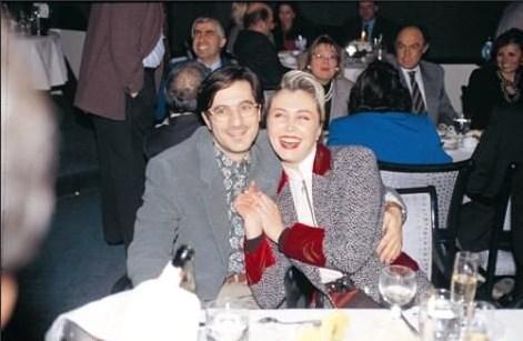 Üçüncü evliliğini 1989 yılında, ikinci kızı Yasmin'in annesi manken Nergis Kumbasar'la gerçekleştirdi.