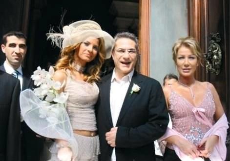 Ünlü komedyen, son kez 2005'de Türkiye'nin Roma Büyükelçiliği'nde Tuğba Coşkun'la nikah masasına oturdu. Bu evlilikten ise Ali Sadi isimli bir oğlu oldu.Ancak bu evlilikte ayrılıkla sonuçlandı...
