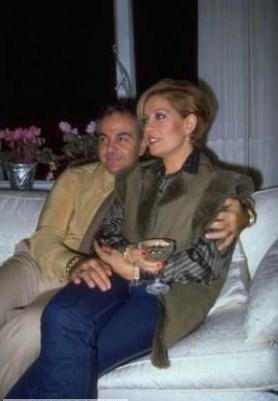 Emel Sayın, dördüncü evliliğini, 4 Haziran 1986'de David Younnes ile Marmaris'te bir teknede gerçekleştirdi. Ancak sanatçının bu evliliği de uzun sürmedi.