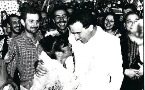 Sinan Özer'le yaptığı üçüncü evliliğinin tarihi ise 10 Temmuz 1981. Bu evlilikten biricik oğlu Mithat Can dünyaya geldi.