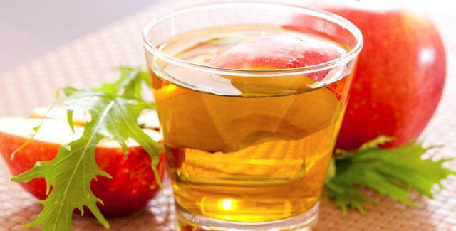 Bir öğününüzde elma sirkesine yer verin  Sebze ve meyvelerin temizlenmesi için etkili olan elmas sirkesi aynı zamanda metabolizmanın hızlanmasına yardımcı bir besindir. Elma sirkesini, salatalarınıza istediğiniz ölçüde ekleyebilirsiniz. Her gün en az 1 öğünde elma sirkesine yer verilmesi özellikle bel çevresi yağların yakımını arttırır.