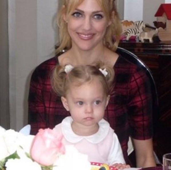 Meryem Üzerli  ❤️ happy mothers day ❤️