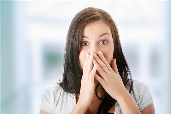 Hıçkırık nedir?   Hıçkırık temelde bizim midemizin altında bulunan ve akciğerlerin sıkıştırılıp-gevşetilerek nefes alıp vermemizi sağlayan diyafram ismindeki bir organdan kaynaklanıyor. Bu diyafram aslında bir tür zarsı kas yapısı. Kasıldığında akciğerlerin hacmi büyüyor, gevşediğinde hacmi küçücülüyor. Bu sayede biz de nefes alıp verebiliyoruz.