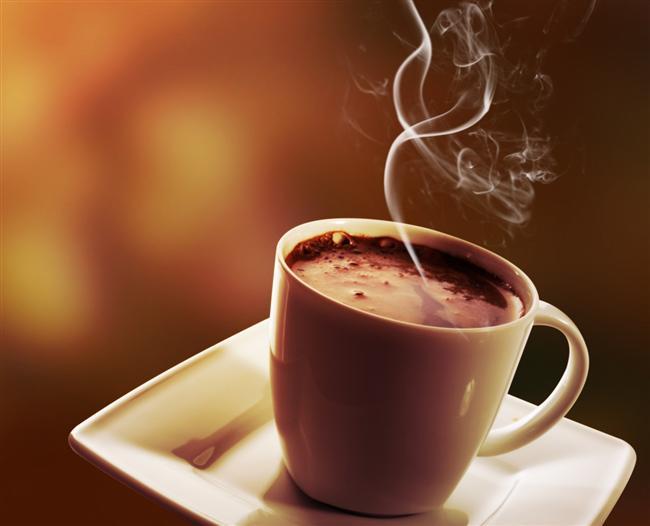 Sıcak bir şeyler içmek  Bu bütün metodlar içinde en güvenilir ve en hızlı yöntemdir… Hıçkırmaya başladığınız an hemen bir sıcak su, çay, süt vb. içerseniz 10-15 saniye içinde hıçkırıığınız yok olur. Sıcak hem sindirim sistemini düzenler hem de sinirleri harekete geçirerek beynin meşgul olacağı yeni şeyler üretir.