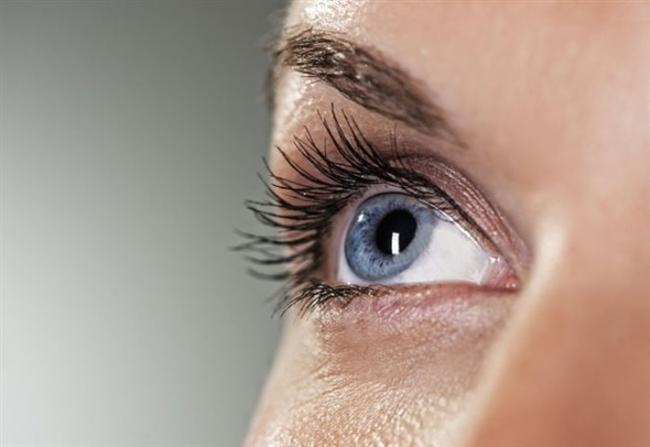 """Hisar Intercontinental Hospital Göz Sağlığı ve Hastalıkları Bölümü Uzmanı Op. Dr. Faruk Eroğlu """"glokom hastalığının tanı ve tedavi yöntemleri hakkında bilgi verdi.Tüm dünyada önlenebilir körlüklerin en önemli nedenlerinden biri olan glokom bilinen adıyla göz tansiyonu, milyonlarca insanı etkileyebilen yaygın bir göz hastalığıdır. Tedavi edilmezse glokom hastalığının kalıcı körlüğe neden olabilir. Erken teşhis hastalığın tedavisinde en önemli faktör."""