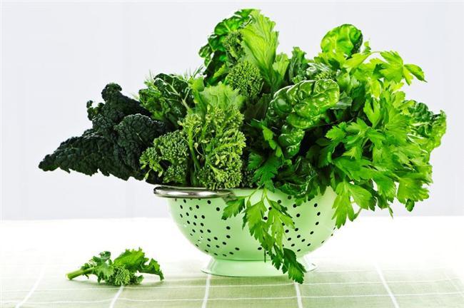 Yeşillikler  Diri görüntüsünden uzak, solgun hatta sararmaya yüz tutmuş yeşilliklerin besin değeri çok önemli ölçüde kayboluyor ve bu besinler bozulmaya yüz tutmuş oluyor.