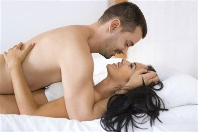 ARKADAŞIMIN AŞKI: Kadınlar arkadaşlarının sevgilileri ya da kendi arkadaşları ve komşularıyla seks yaptıklarını hayal ettikleri fantezilerden de büyük keyif alırlar.