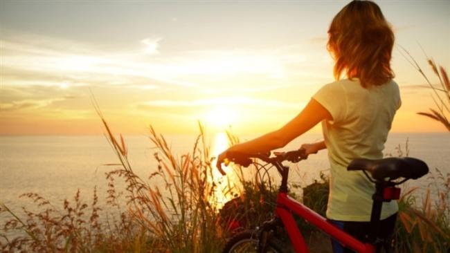 Bisiklete binmek kilo vermeye ve sağlıklı kiloda kalmaya yardımcı oluyor. Çocuklarda obezite riskini azaltıyor.