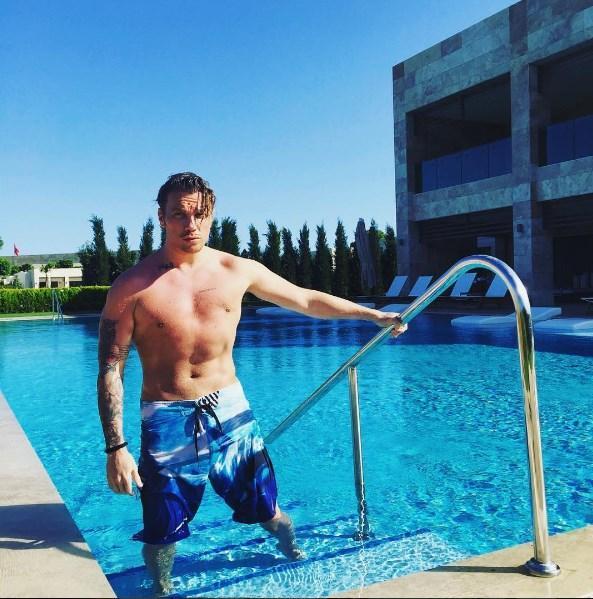 Sinan Akçıl   oh tamam havuz iyi geldi toparladım!açıldım