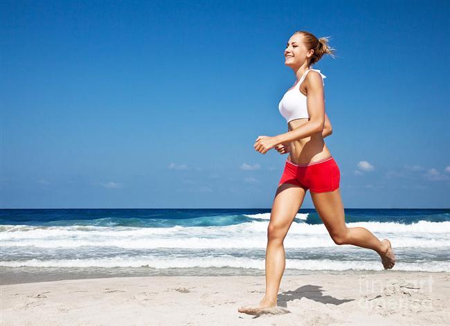Direncinizi arttıracak egzersizler yapın   Kilo verdiğiniz zaman kaslarınızda da azalma ve güçsüzleşme olabiliyor. Bundan kaçınmak için iyi bir diyet programıyla birlikte kay kaybını önleyen ağırlık kaldırma gibi egzersizler yapabilirsiniz.