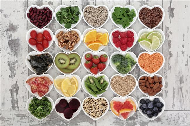 Çok fazla lifli gıdaları tüketin   Lifli gıdalar hem sindirime yardımcı oluyor hem de uzun süre tok kalmayı sağlayarak kilo vermeye yardımcı oluyor.