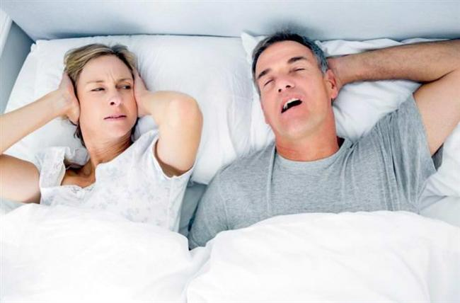 Ancak yatmadan önce bir yudum fındık yağı içmeniz boğaz kaslarını yumuşatmaya ve horlamayı azaltmaya yardımcı olabilir.