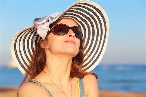 Cildinize fındık yağı sürmüş olsanız da şapka ve güneş kremi kullanmayı ihmal etmemelisiniz. Fındık yağı ek bir koruma sağlayacaktır.